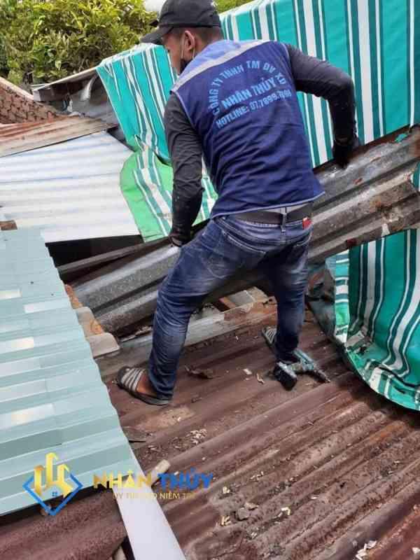 dịch vụ sửa chữa mái tôn tại quân 3